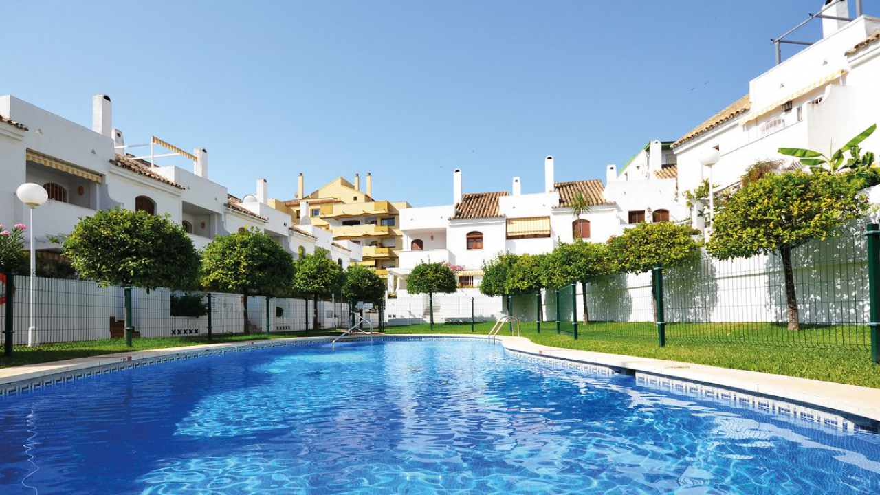 Charming townhouse only 300m from the beach