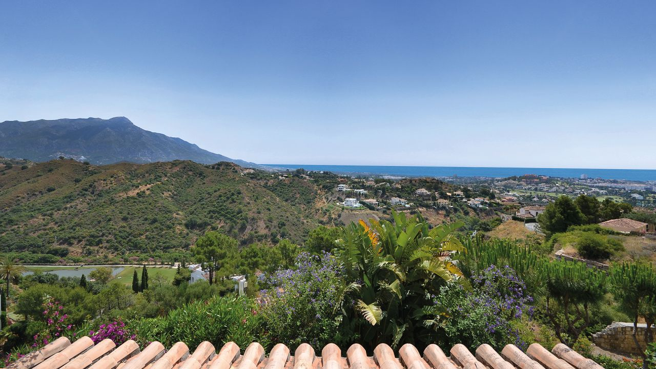 Charming townhouse in La Quinta Hills with panoramic sea views